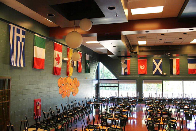 Is it the United Nations? No, it's the inclusive cafeteria at Evergreen Park Elementary School.